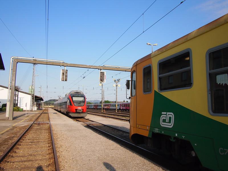 P7124345-connecting-train-at-summerau.JPG