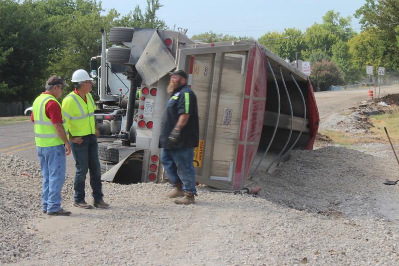 2015-0803-truck-flip-3-960x600.jpg