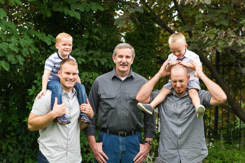 AG_2018_07_Bertele Family Portraits__D3S4027-2.jpg