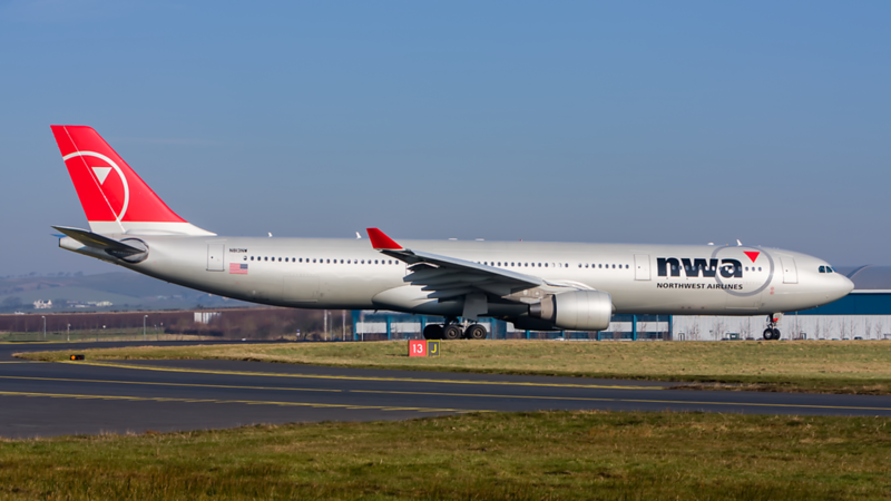 N813NW. Airbus A330-323X. Northwest Airlines. Prestwick. 190208.