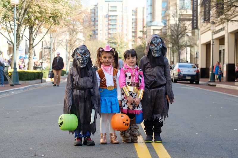 CG038 Trick or treating.JPG