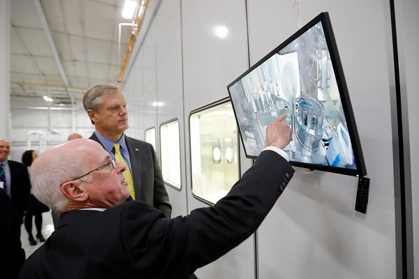 Charlie Baker tours Berkshire Sterile Manufacturing-010419