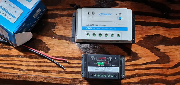 Change out old solar charge controller at CREBC