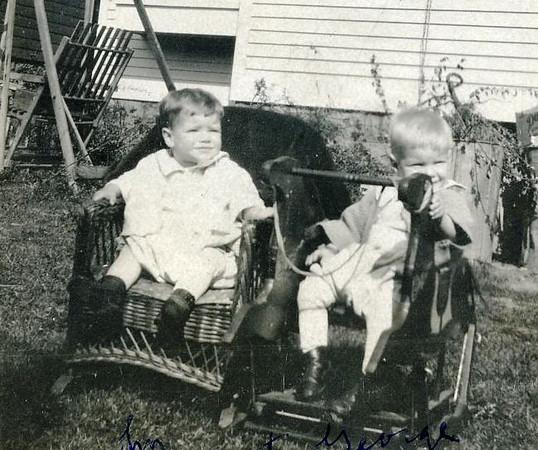 John & George 19210033.jpg