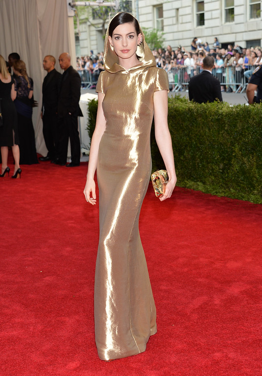 """. Anne Hathaway arrives at The Metropolitan Museum of Art\'s Costume Institute benefit gala celebrating \""""China: Through the Looking Glass\"""" on Monday, May 4, 2015, in New York. (Photo by Evan Agostini/Invision/AP)"""