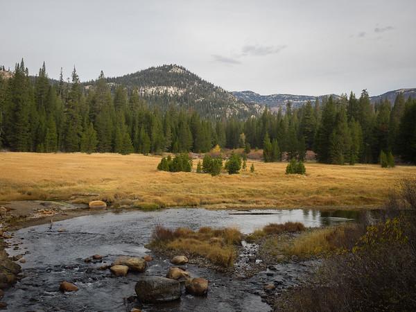 Trans-Sierra dayhike