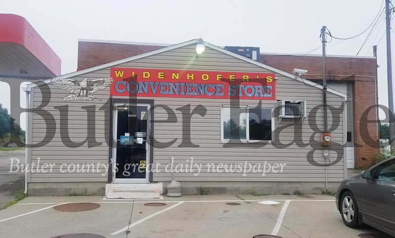 Widenhofers store on 422 where 3 suspects stole cigarettes in the early morning hours