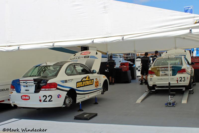 ST Burton Racing BMW 128i