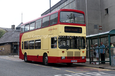 Pilkington Bus
