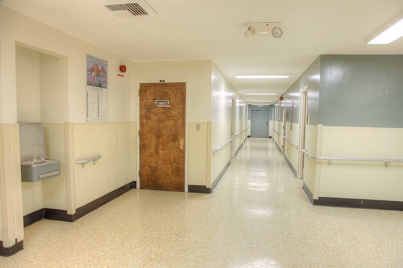 r-22_dorm_hall_int1.jpg