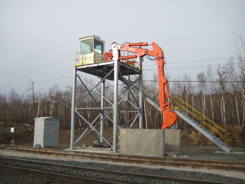 NPK B700 railcar unloader (sn 1N8416) (16).jpg