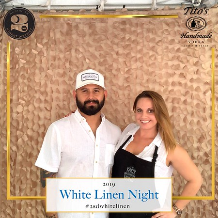 PHOTOS - Tito's White Linen Night