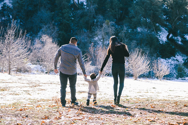 Ilene Daniel & Issis Family Photos in Oak Glen