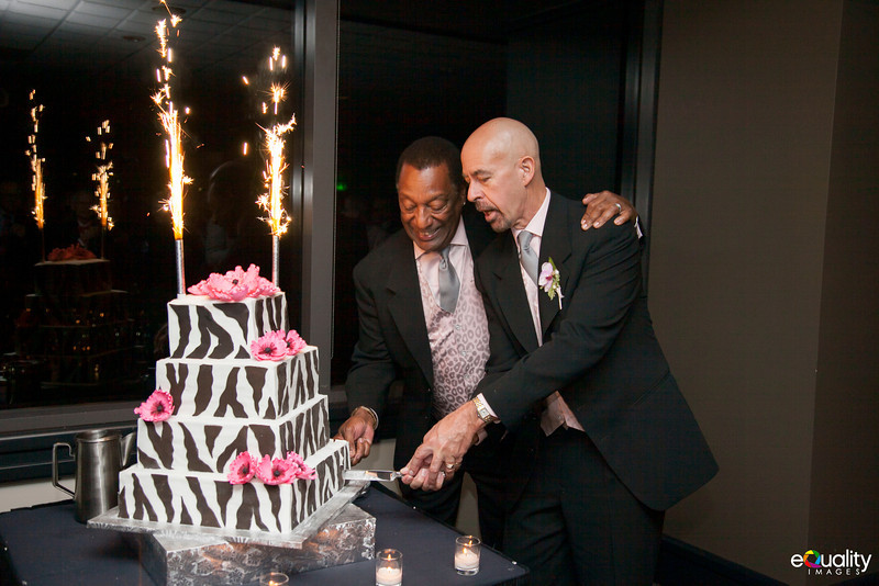 Michael_Ron_7 Cake & Toasts_012_0482.jpg