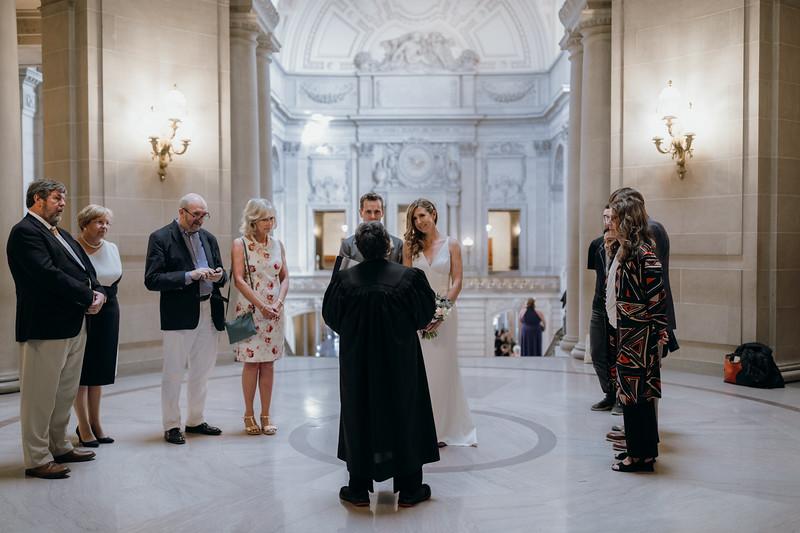 2018-10-04_ROEDER_EdMeredith_SFcityhall_Wedding_CARD1_0190.jpg