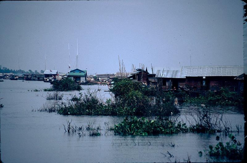 floating villages on the Tonle Sap