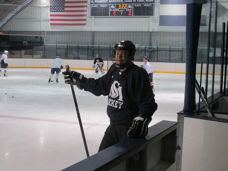 Alumni Hockey 2016 005.jpg
