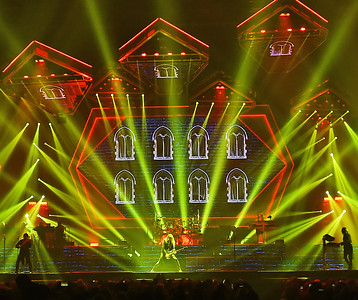Trans-Siberian Orchestra Plays The Well 2019