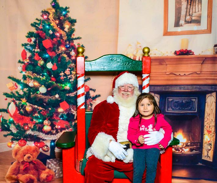 Santa Elmore 2016-12158.jpg
