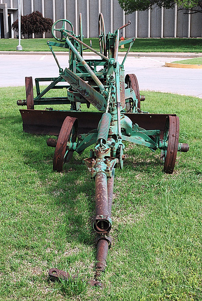 Adams Leaning Wheel Grader No. 2C 03.JPG