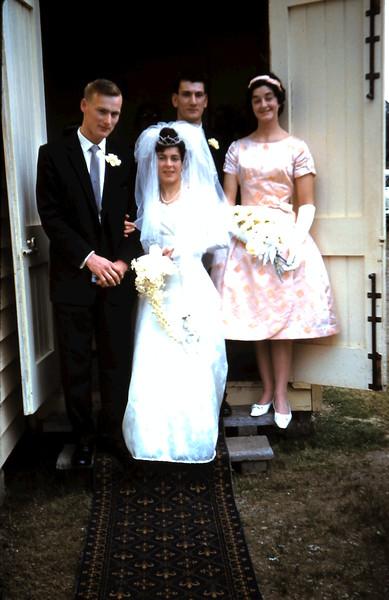 1961-8-19 (21) Graham, Mary, Nigel & Elaine.JPG