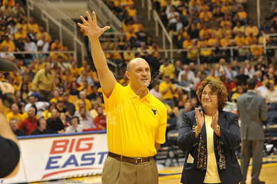 25936 WVU President-elect, James P Clements and New Mountaineer, Rebecca Durst