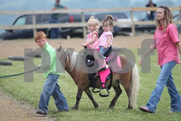 Tazwell Buckhorn Horse Show June 2010