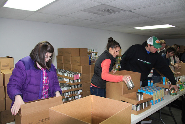 2012,  Brentwood Baptist makes 500 Christmas food boxes