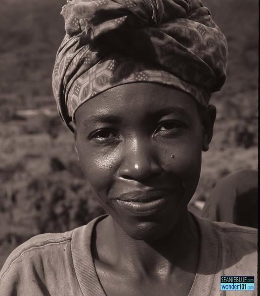 Uganda 1400 40-4.jpg