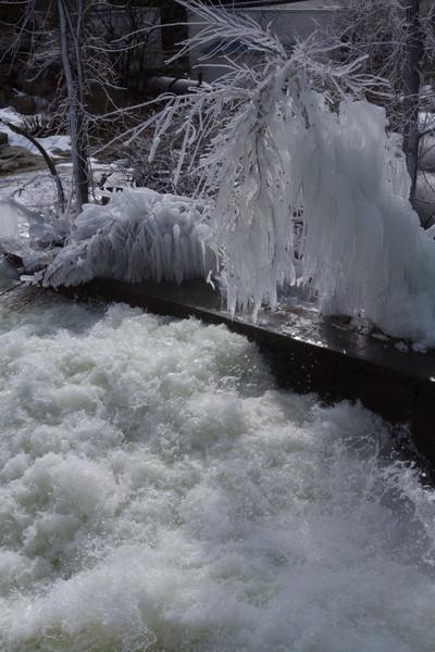 frozen water pipe-2343.jpg