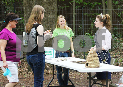 caldwell-zoo-parties-for-the-planet-at-earth-day-event