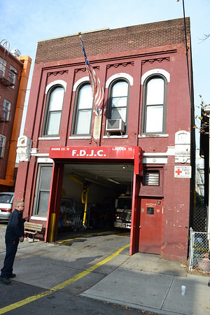 Jersey City, NJ - Engine 10/Ladder 12