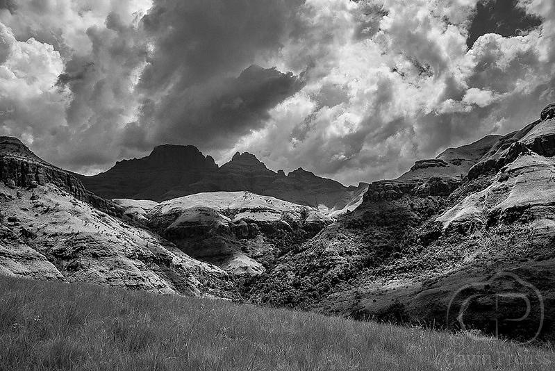 Drakensberg_Peaks.jpg