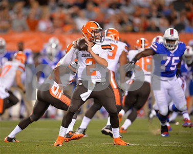 browns-manziel-says-sore-elbow-improving-no-surgery-needed