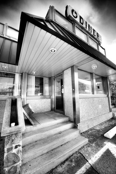 sullivan-diner-entrance-infrared.jpg