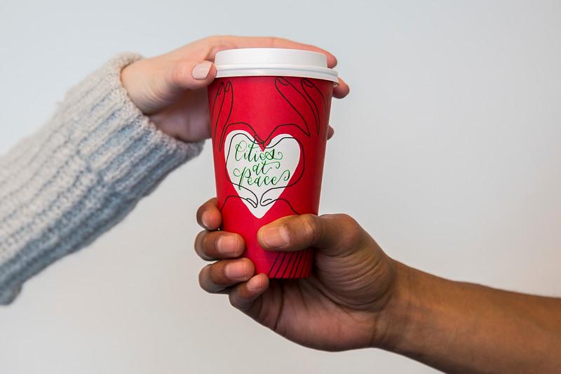 Starbucks_Cups_Hands_014.jpg