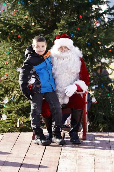 Santa In The Park 20190068.JPG