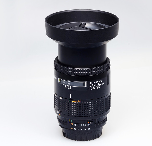 Nikkor 85mm Zoom.jpg