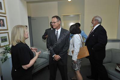 25458 interm president Magrath meeting with deans at erickson alumni center
