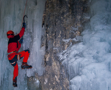 02 03 Ice Climbing in Mlacca Gorge