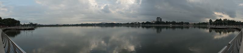 Khon-Kaen-Lake-(Panorama).jpg
