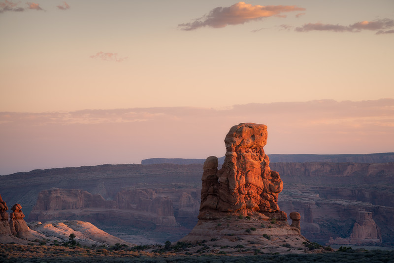 Glowing Mitten || Arches National Park