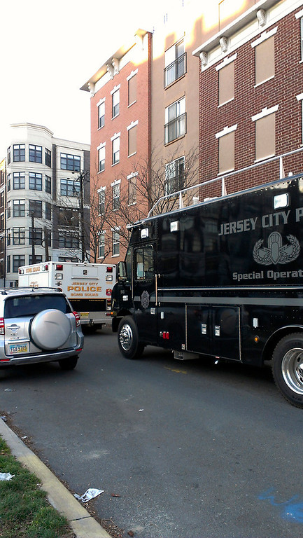 . Jersey City bomb squad outside Hoboken, N.J. location tied to Connecticut shooter (Frank Scandale/Digital First Media)