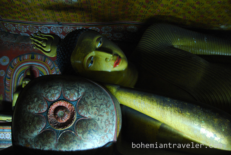 Cave Temples at Dambulla (12).jpg