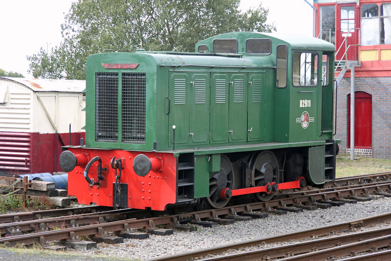 North British Locomotive Co 0-4-0DH D2911 at Chasewater Railway 11/09/11