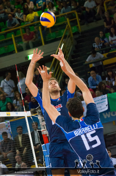 Dragan Travica [ITA] palleggio - Italia-Iran, World League 2013 - Modena