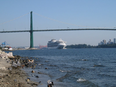 Cruise ships in Vancouver harbour