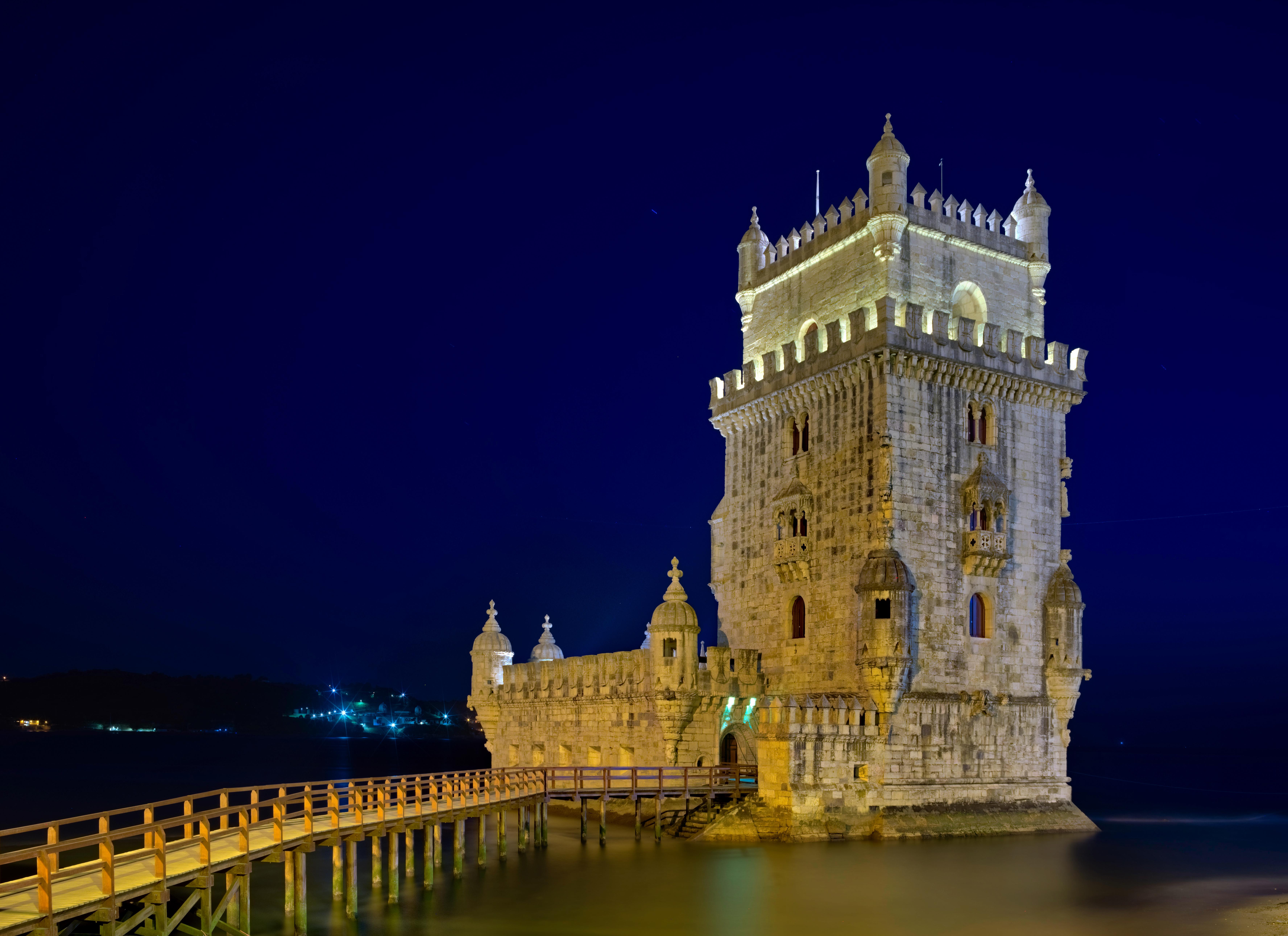 Torre de Belem (Francisco de Arruda) in Lisbon, Portugal  [7106×5163]