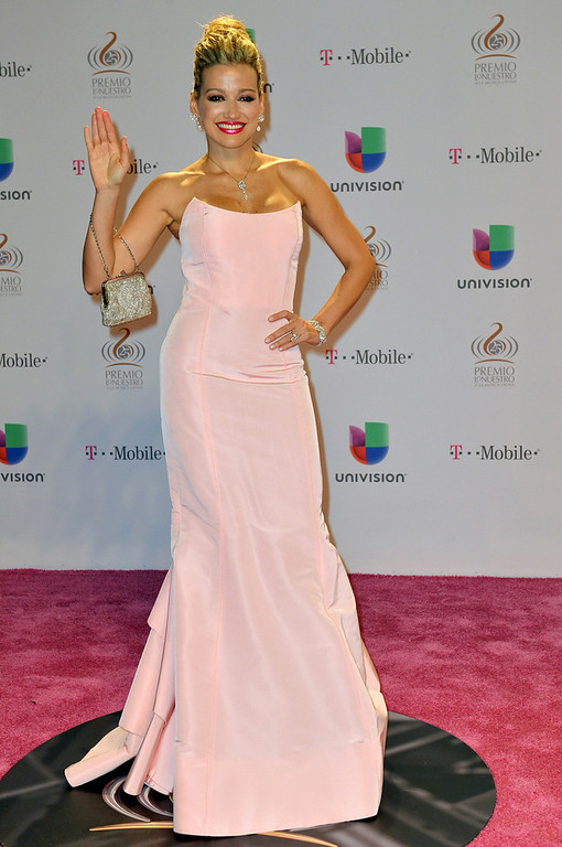 ". Fanny Lu arrives at the 25th Anniversary of Univision\'s \""Premio Lo Nuestro A La Musica Latina\"" on February 21, 2013 in Miami, Florida.  (Photo by Gustavo Caballero/Getty Images for Univision)"