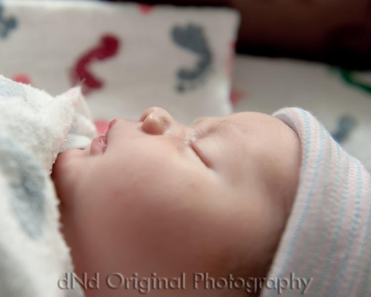 18 Kaelan Newborn (10x8).jpg